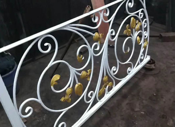 阳台烤漆铁艺栏杆