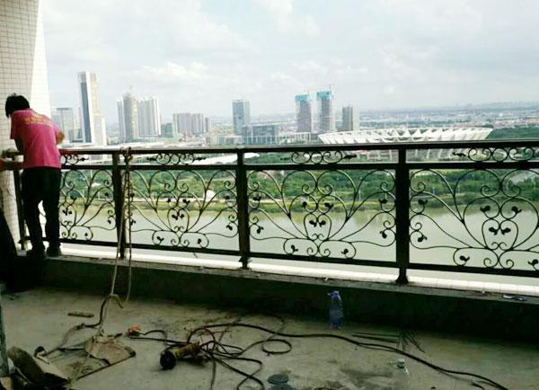 铝艺栏杆安装维修