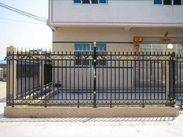 泸州铁艺栏杆